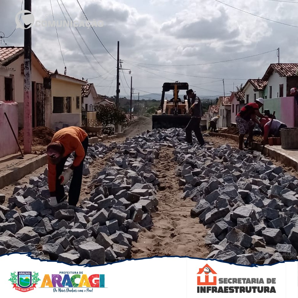 Prefeitura de Araçagi inicia pavimentação de mais uma rua no Conjunto Santo Amaro