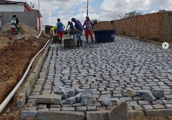 Serviços de Pavimentação do conjunto Santo Amaro seguem avançando